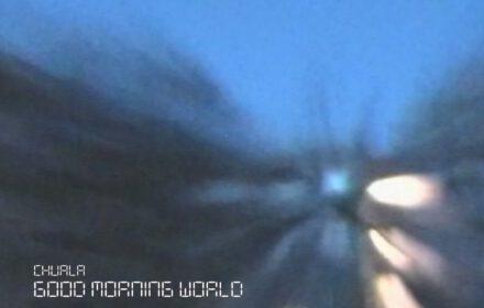 "Das Singlecover zur Single ""Good Morning World"" der Musikerin Chuala"